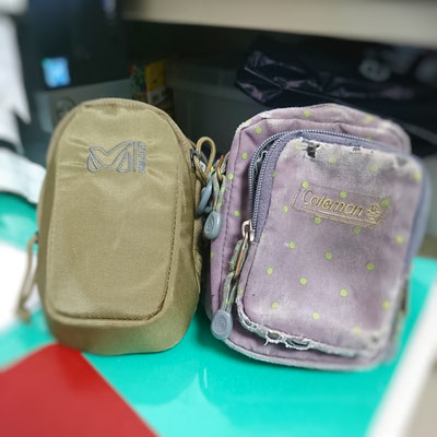 (new:左)MILLET「VOYAGE PADDED POUCH 」 (OLD:右)Coleman「ポーチ パーム2」