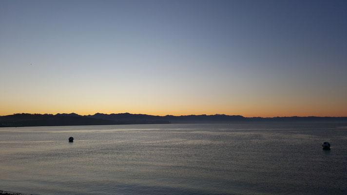 Comienza la travesía desde Puerto Montt, madrugada de octubre.