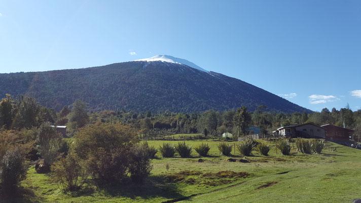 Volcán Hornopirén en octubre.