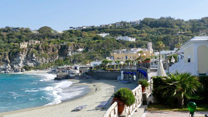 Insel Ischia, Strand bei Forio