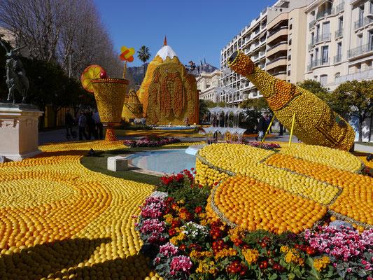 Frankreich, Cote d`Azur, Menton: Fest der Zitronen Fete du citron