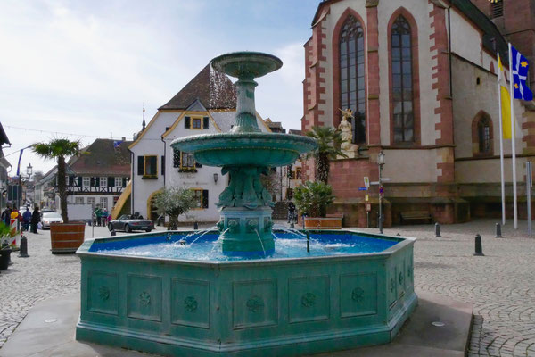 Marktplatz in Deidesheim  Sehenswürdigkeit Deutschland Mandelblüte Rheinland Pfalz
