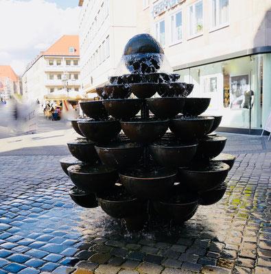 """Der """"Kaskadenbrunnen"""" in Nürnberg Sehenswürdigkeiten Deutschland Nürnberg"""