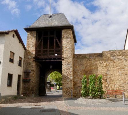 Ahrweiler, Stadtmauer Die Stadtmauer von Ahrweiler und ihre Türme und Tore