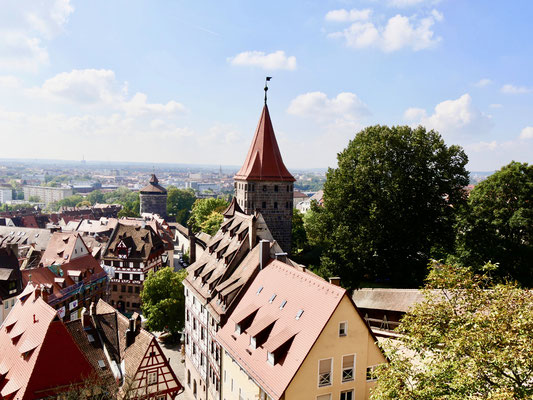 Blick von der Kaiserburg auf Nürnberg Sehenswürdigkeiten Deutschland Nürnberg