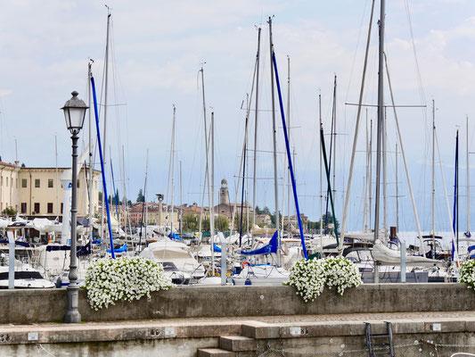 Gardasee:Der Hafen von Salo`