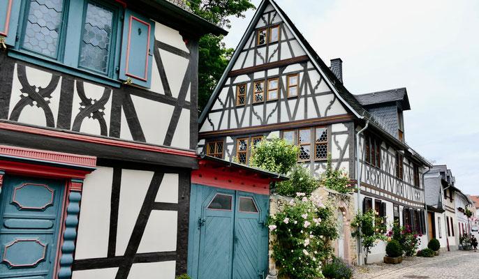 Fachwerkhäuser Eltville am Rhein, Wein,Sekt und Rosenstadt