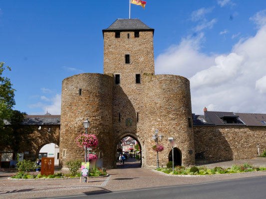 Ahrweiler, Stadttore Die Stadtmauer von Ahrweiler und ihre Türme und Tore