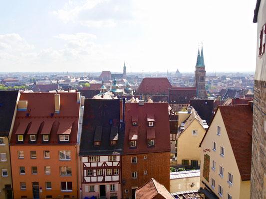 Blick über Nürnberg Sehenswürdigkeiten Deutschland Nürnberg
