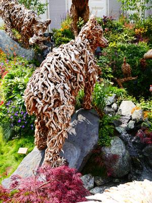 Treibholz Bär England Chelsea Flower Show London