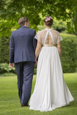 Brautkleid mit raffiniertem Rücken
