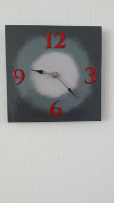 Klok 25x25 cm grijs Verkocht