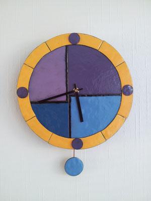 ong. 30cm rond klok verkocht.