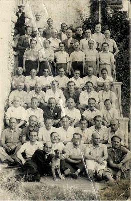Foto/cartolina postale degli ebrei stranieri internati nel Campo di Casoli dal 10 luglio 1940