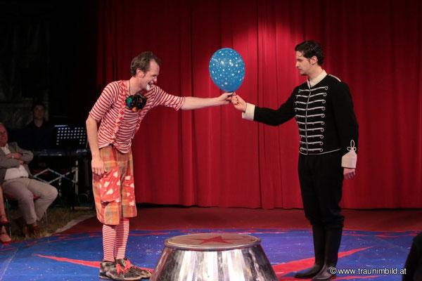 AUGUST, AUGUST AUGUST. Regie: Daniel Pascal. Pascal Productions, 2014.