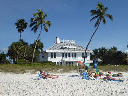 Bild: Luxusvilla am Strand von Naples in Florida