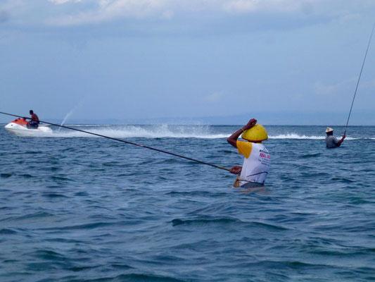 Bild: Angler im Wasser - Foto 1