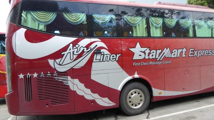 Bild: Mein Bus von Kuala Lumpur nach Singapur von außen