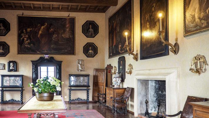 Bild: kostbarer Raum im Herrenhaus