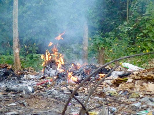 Bild: Müllverbrennungsanlage auf Lembongan