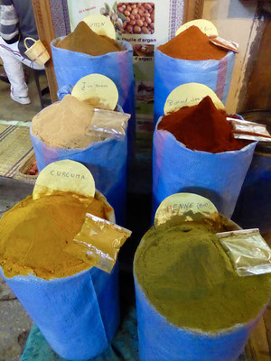 Bild: Gewürze auf dem Markt