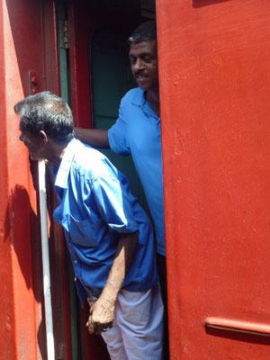 Bild: An der Zugtür