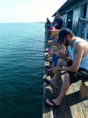 Angler auf der Pier von Anna Maria Island