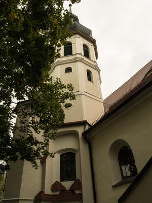 Bild: Die Bergelkirche von außen in Oppeln