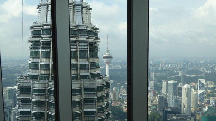 Bild: Blick von den Petronas Towers auf die Hauptstadt Kuala Lumpur.