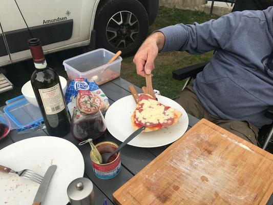 Bild: Leckere Pizza zum Abendbrot