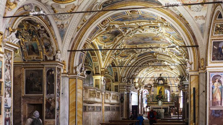 Bild: Im Inneren der Kirche