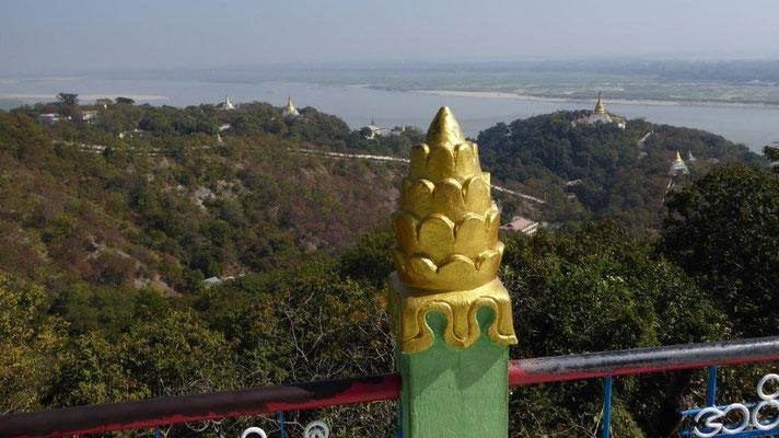 Bild: Goldglänzende Pagode in Myanmar