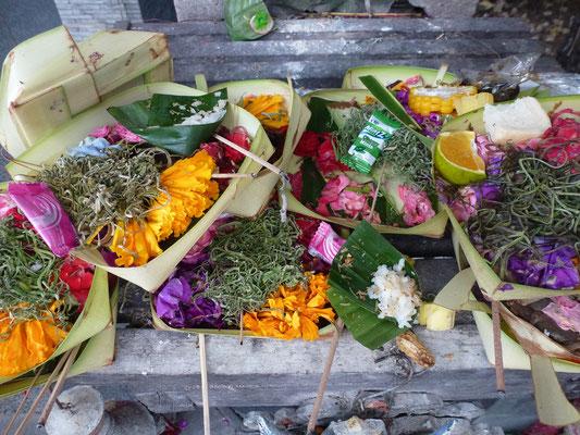 Bild: Opfergaben auf Bali - Banten genannt
