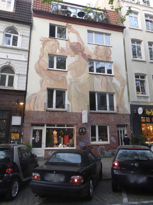 Bild: Fassadendekoration in der Schanze - Foto 2