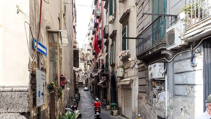 Bild: Gasse im Quartieri Stagnoli