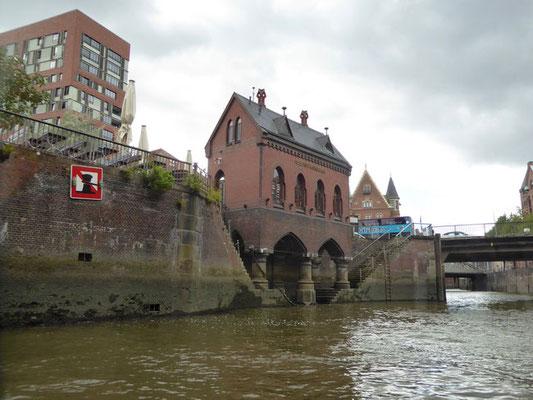Bild: Das Feetschlösschen vom Holländischbrookfleet