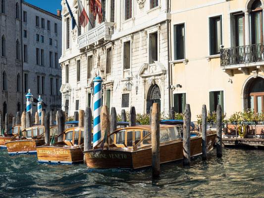 Bild: Die Wasserstraße Canal Grande in Venedig - Foto 4