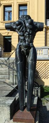"""Bild: Skulptur im Park der Villa """"Edelweiss"""" in Immenstadt - Foto 1"""