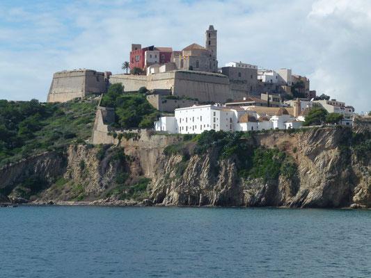 Bild: Die Burg und die Altstadt