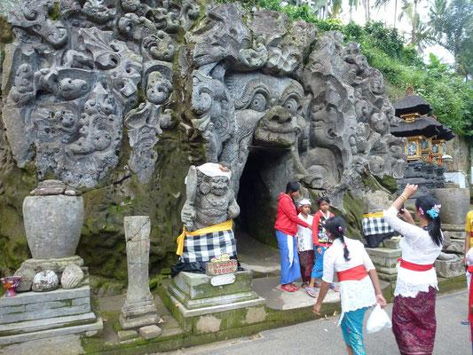 Bild: Der Eingang der Goa Gajah auf Bali