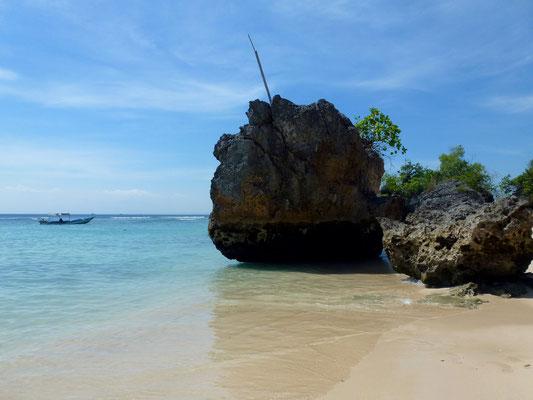 Bild: Padang Padang Beach - Felsen