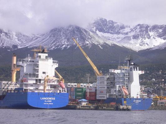 Bild: Der Hafen von Ushuaia