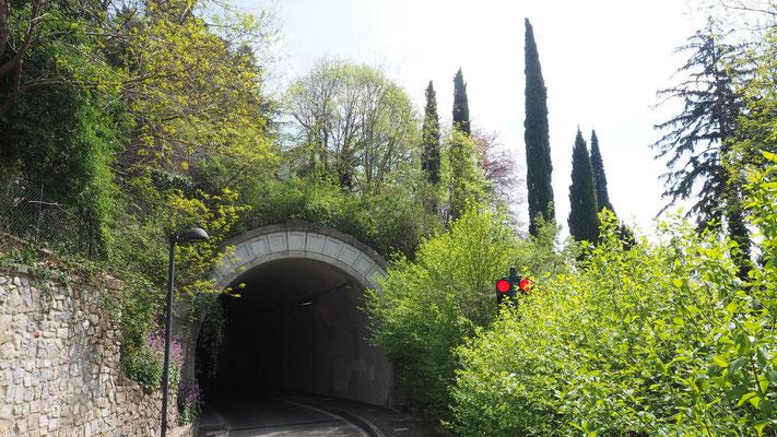 Bild: Tunnel auf dem Weg zurück