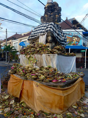Bild: Opfergaben auf Bali - Canang Sari