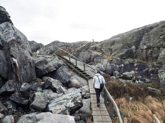 Bild: Steil die Treppen hinauf