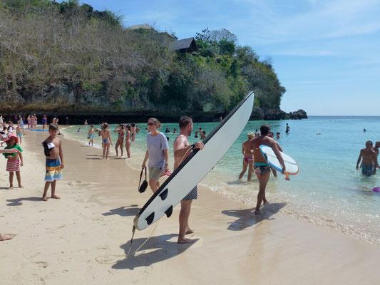 Bild: Padang Padang Beach - Surfer