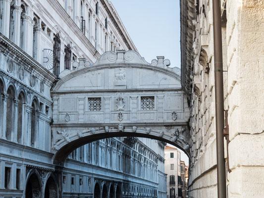 Bild: Die Seufzerbrücke in Venedig