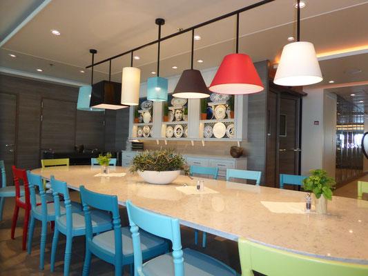 Bild: Mein Schiff 6 - Essbereich im Restaurant Atlantik