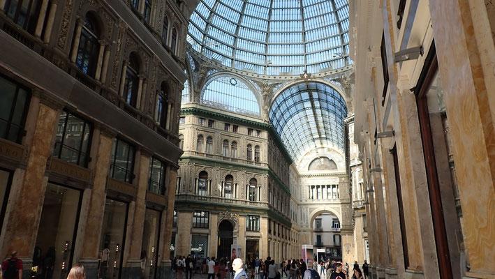 Bild: Einkaufspassage Galeria Umberto