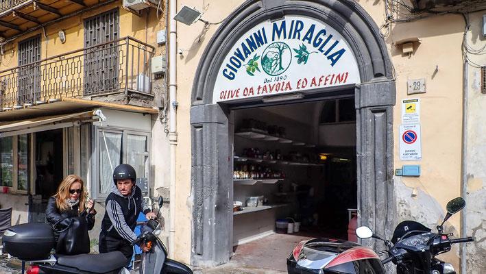 Bild: Oliven Geschäft